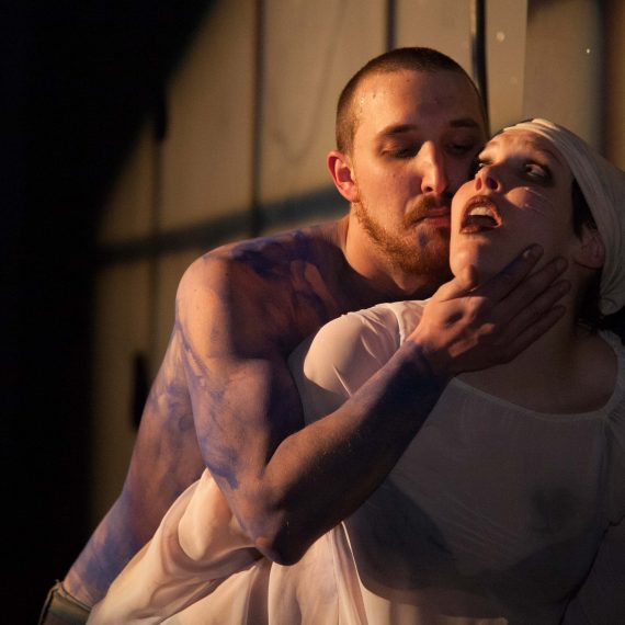 M. Rogers and V. Duncan in MEDEA (Photo Mark Unrau)